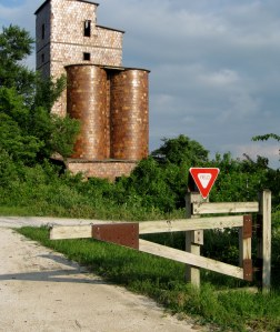 An abandoned silo, faced with ceramic tiles, along the Katy Trail
