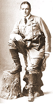 Davis, kitted out for the Spanish-American War