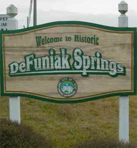 De Funiak Springs sign