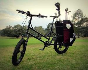 A way to combine biking and golf: the Golf Bike
