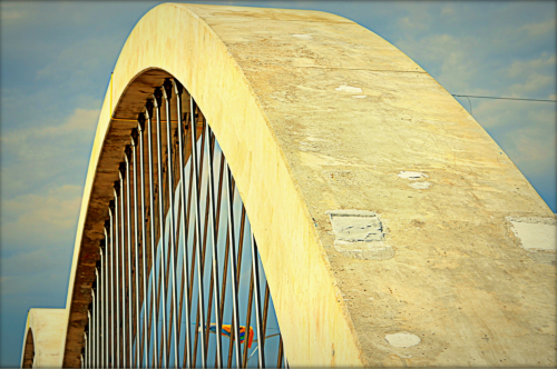 The flat top surfaces of the 12 massive arches of Fort Worth's new West Seventh Street Bridge. Photo by Jim Peipert